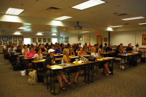 PVCC students fill KSC208 for free Grammar Workshops offered by the Writing Center and English faculty.
